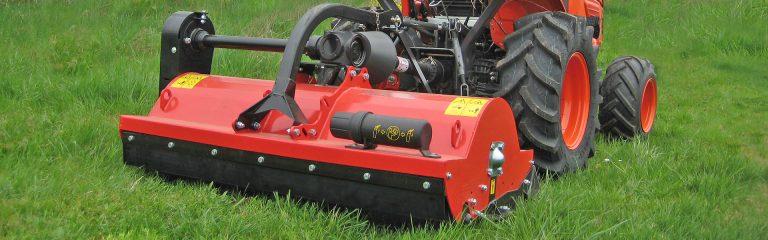 Schlegelmäher GS33 von Agritec an einem Kompakttraktor