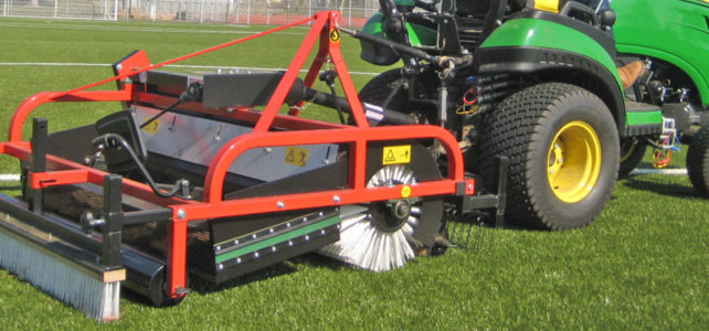 Artificial turf maintenance machine NTS140